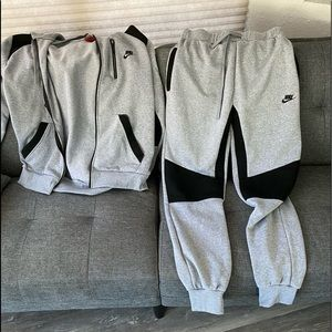 Nike medium tracksuit